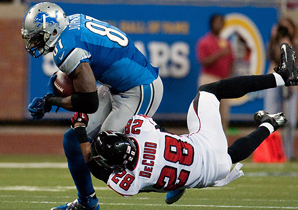 Calvin Johnson recorded his eighth straight 100-yard game.