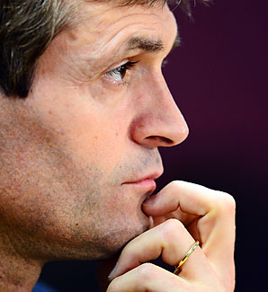 Tito Vilanova needed a second surgery following an operation to remove a tumor from his saliva glands.
