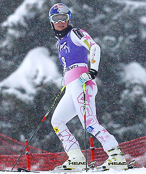 After an unexpected break, Lindsey Vonn returns to Europe to chase after her fifth World Cup title.