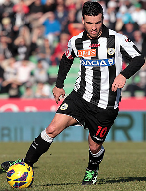 Antonio Di Natale scored twice as Udinese knocked off Inter Milan.