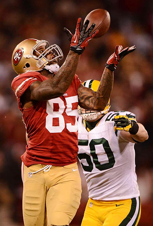 San Francisco tight end Vernon Davis had only one catch in the game, this 44-yarder behind A.J. Hawk.