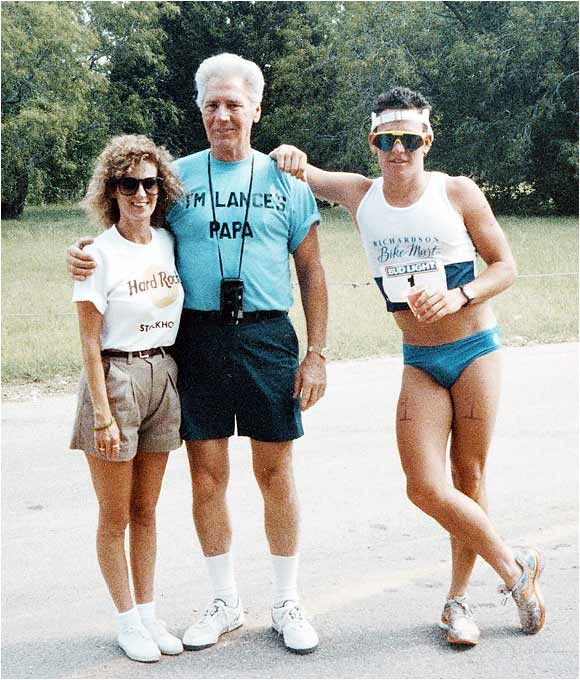 Lance mugs for the camera with mother Linda Armstrong Kelly and grandfather Paul Mooneyham before a triathlon.