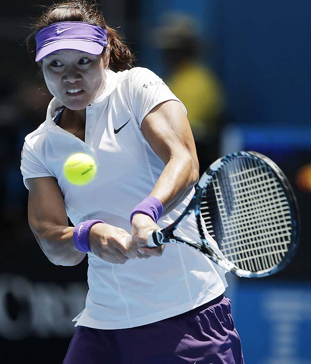 No. 6 Li Na, a finalist in 2011, swept Olga Govortsova 6-2, 7-5.