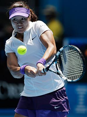 Li Na got past Olga Govortsova of Belarus 6-2, 7-5 on Wednesday.