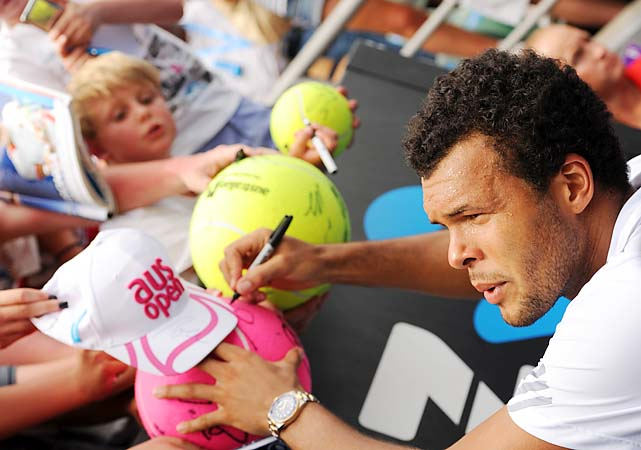 No. 7 Jo-Wilfried Tsonga beat Go Soeda 6-3, 7-6 (1), 6-3 to reach the third round.