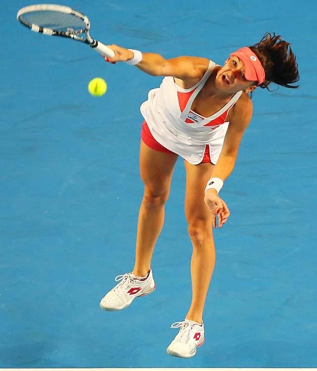 No. 4 Agnieszka Radwanska hasn't dropped a set in three matches, beating Heather Watson 6-3, 6-1. She'll get No. 13 Ana Ivanovic in the fourth round.