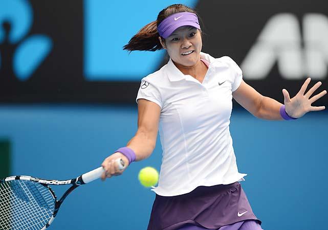No. 6 Li Na beat Sorana Cirstea 6-4, 6-1 to advance to the fourth round, where she'll play No. 18 Julia Goerges.