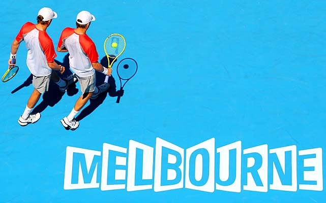 The top-ranked Bryan brothers moved a step closer to their sixth Australian Open title, beating Jeremy Chardy and Lukasz Kubot 6-7, 6-4, 6-3.