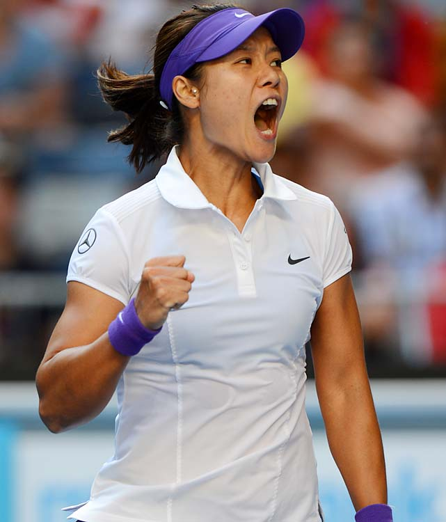 No. 6 Li Na beat No. 18 Julia Goerges 7-6 (6), 6-1 to make her first Grand Slam quarterfinal since winning the 2011 French Open.