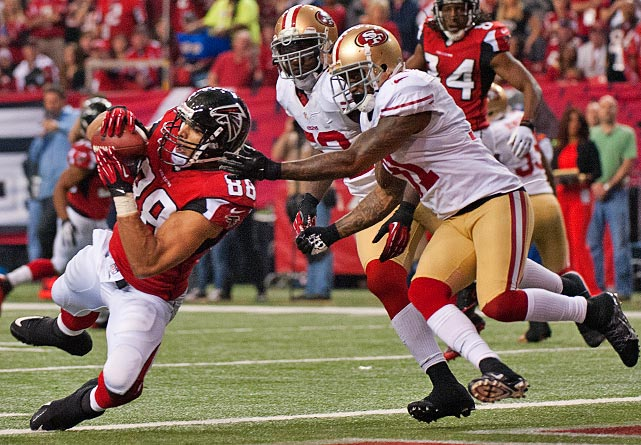 In what might have been his last game in the NFL, Tony Gonzalez caught eight balls for 78 yards and one touchdown.