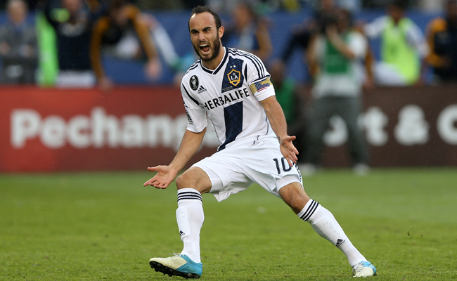 Landon Donovan had the tiebreaking goal in the Galaxy's 3-1 win over Houston for their second straight MLS Cup title.