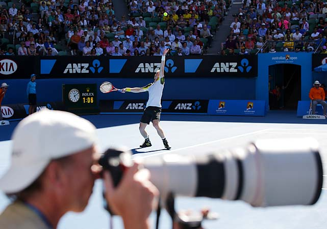 No. 3 Andy Murray beat Jeremy Chardy 6-4, 6-1, 6-2 to make the semifinals.