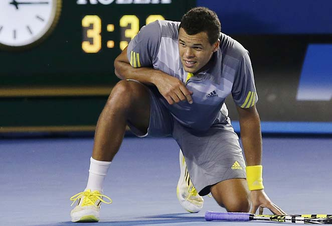 No. 7 Jo-Wilfried Tsonga fell to Roger Federer in five sets in the Australian Open quarterfinals.