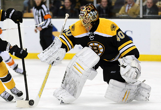 The Boston crowd has greeted Tuukka Rask warmly as he works to replace Tim Thomas in goal.