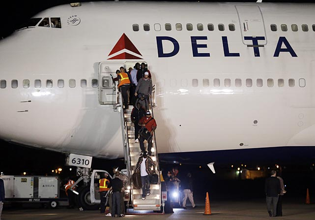 The 49ers arrived at the Louis Armstrong International Airport Sunday night.