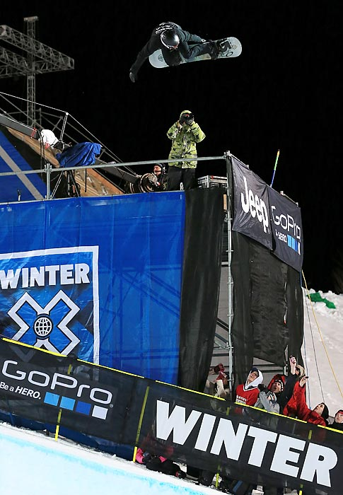 White sets a new X Games record for height when he hit 24 feet, one inch on this backside air in his second run, breaking his own mark by a foot. His jumps averaged 16 feet of air, five feet higher than his competition.