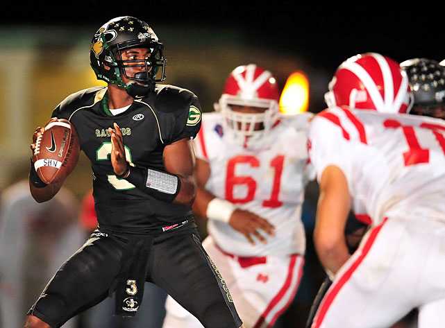 The Huskies commit led a high-flying attack at Narbonne High in Harbor City, Calif., as he accumulated 44 touchdowns (35 passing, nine rushing) over 13 wins this season. Williams is eerily reminiscent of another dual-threat quarterback Washington recruited out of the Trinity League a few years ago: Keith Price.