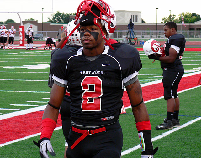 The Trotwood, Ohio, native will represent his home-state Buckeyes at the next level. Burrows has drawn comparisons to Nnamdi Asomugha, and he enrolled early and will participate in spring practice.