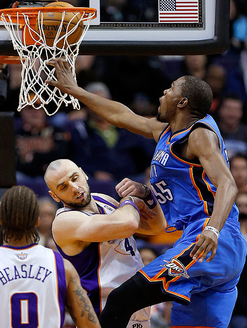 Kevin Durant added an exclamation mark to a 41-point night against the Suns with this dunk on Marcin Gortat.