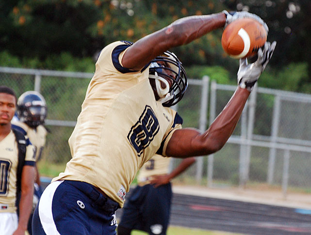 A star at Mallard Creek High in Charlotte, North scored 25 touchdowns in 2012 before going down with a shoulder injury. The 6-3, 205-pound target committed to Tennessee over North Carolina.