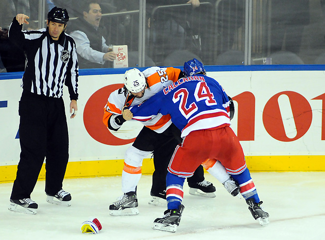 Rangers' captain Ryan Callahan injured his shoulder during this fight with the Flyers' Max Talbot.