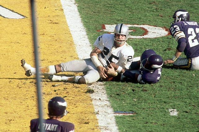 Biletnikoff did everything but score against the Vikings, setting up three of the Raiders' touchdowns on four receptions for a total of 79 yards.