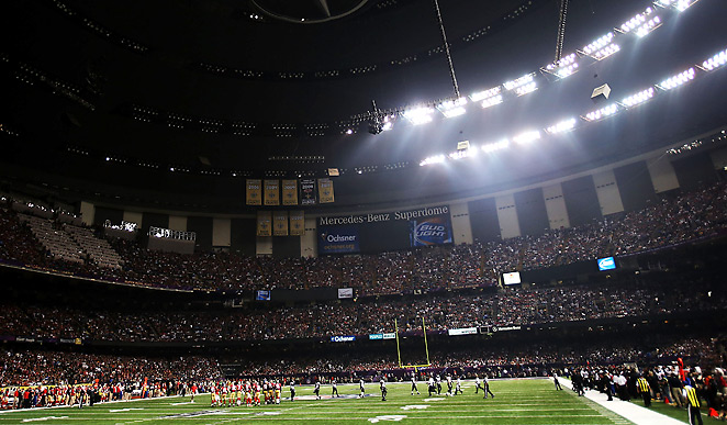 The lights in the Superdome went out shortly after Jacoby Jones' 108-yard return TD to start the second half.