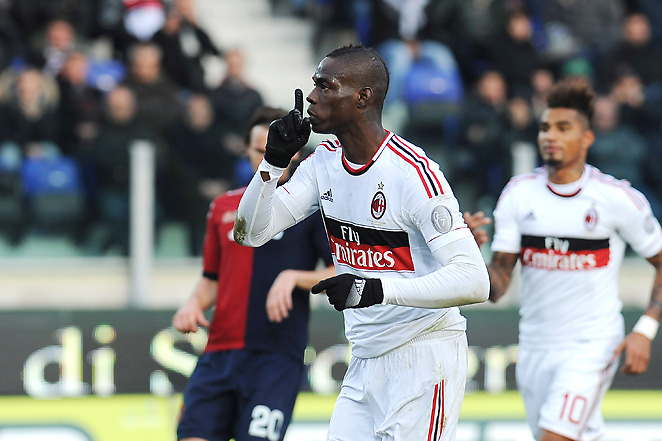 Mario Balotelli silences the crowd after slotting home a penalty to draw even at Cagliari.