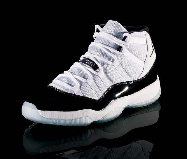 In his first full NBA season since retiring in 1993, Jordan wore the Air Jordan XI, a timeless model featuring a patent leather design.