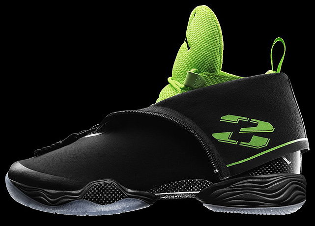 The Air Jordan XX8 features an all-black sleeve that conceals an inner neon green bootie. Inspired by stealth technology, it surpasses the XIX as the lightest Air Jordan ever made.
