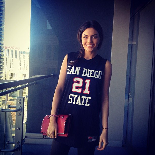 Representing San Diego, gearing up to meet the mayor of Vegas! Thanks #Valentino for the gorgeous bag!