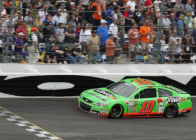Danica Patrick continued to add to her list of achievements Sunday, becoming the first woman to lead a green flag lap at the Daytona 500.