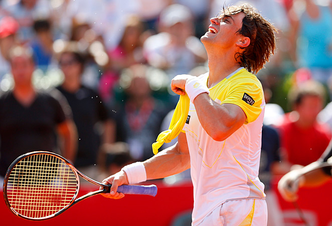 Top-seeded David Ferrer broke Stanislas Wawrinka six times on Sunday - including three in the final set.
