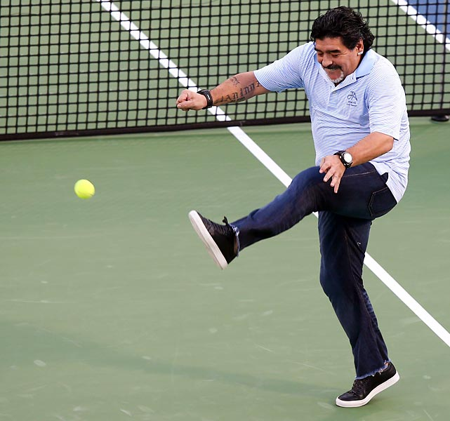 That concludes this week's enervating edition. We hope you got your kicks just like Senor Maradona did while playing with a little tennis with Juan Martin del Potro at the Dubai championships.