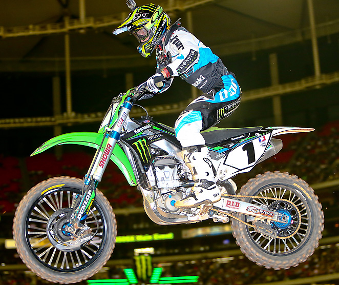 Ryan Villopoto took a lead midway through the 450SX Class race to clinch victory in St. Louis.