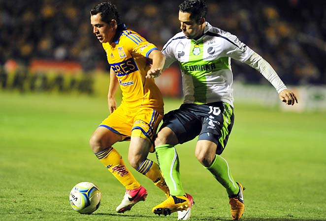 Herculez Gomez (right) and Santos Laguna are in sixth place in the Mexican league.