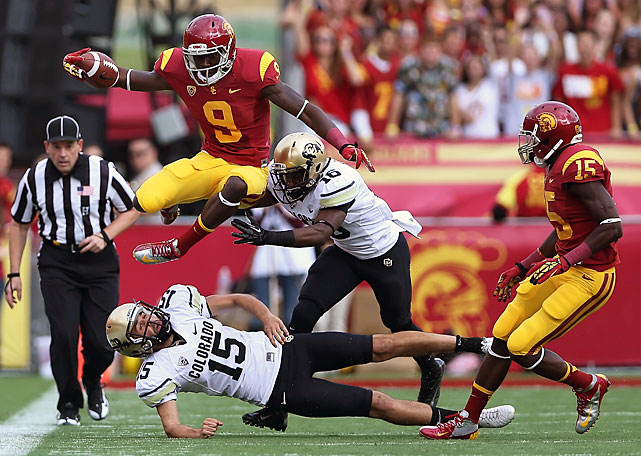 Lee followed up a breakout year in 2011 with an even better 2012, catching 118 passes for 1,721 yards and 14 touchdowns. Those totals ranked first, second and third in the NCAA, respectively. Lee was also a dangerous kick returner, leading the Pac-12 with 856 kick return yards -- including an 100-yarder for a touchdown against Hawaii in last year's season opener.