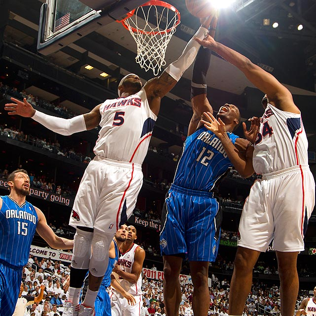 Despite an all-time playoff series from Howard, the Magic fell to the Hawks in six games during the first round of the 2011 postseason. Playing against a young Atlanta front line, Howard averaged 27 points, 15.5 rebounds and 1.8 blocks in 43 minutes per game, but it wasn't enough to overcome the cold shooting of Hedo Turkoglu (29.2 percent) and Jason Richardson (33.3 percent).