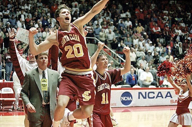 Even Santa Clara coach Dick Davey didn't think his No. 15 seed Broncos had a chance against No. 2 Arizona, especially after the Wildcats went on a 25-0 run in the second half. That still wasn't enough to hold back a young Steve Nash as he led his squad to just the second ever 15 over 2 seed upset, 64-61.