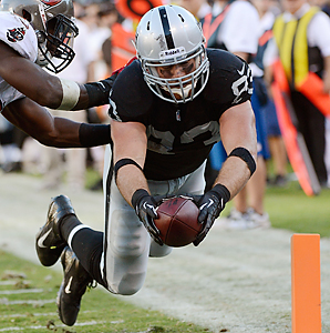 Brandon Myers had a career-best 806 yards receiving and four touchdowns last season with the Raiders.