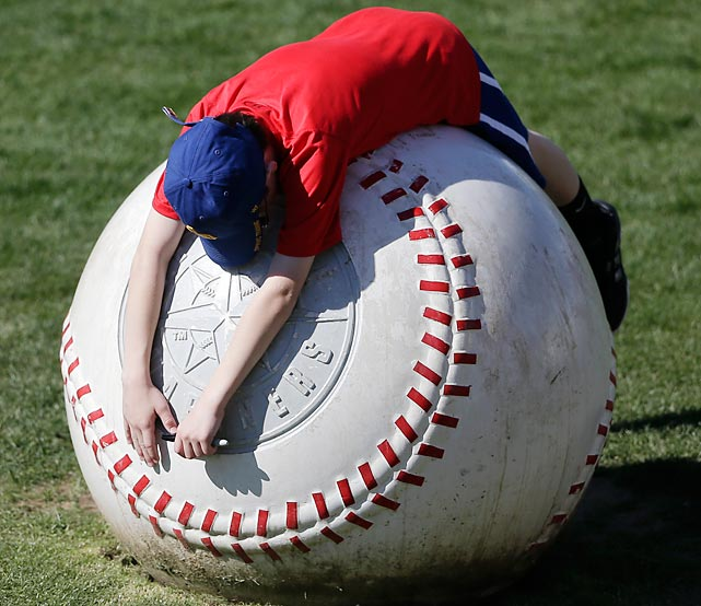 Aaron Tufts of Phoenix succumbs to Cactus League fatigue as the Mariners play the Diamondbacks in yet another exhibition game in Peoria, Arizona.