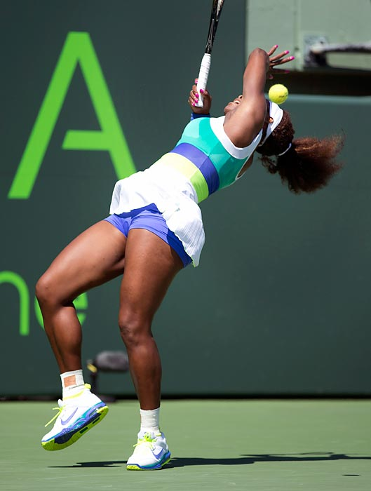 Despite some trouble getting the ball to behave, Serena Williams made quick work of Flavia Pennetta 6-1, 6-1 in their exciting second-round match in Key Biscayne, Fla.