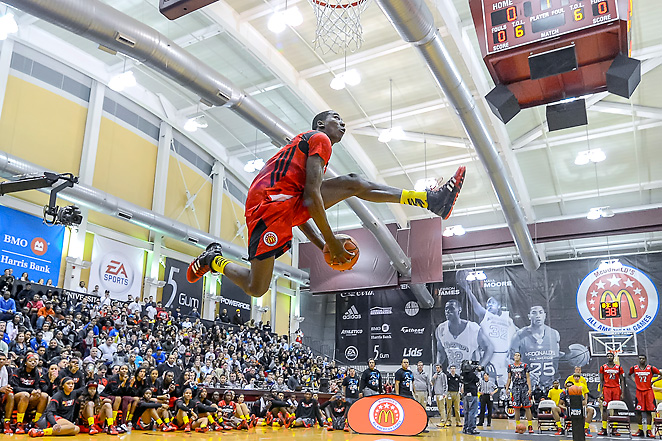 Rondae Hollis-Jefferson rises up for a smashing dunk during Monday's JamFest in Chicago.