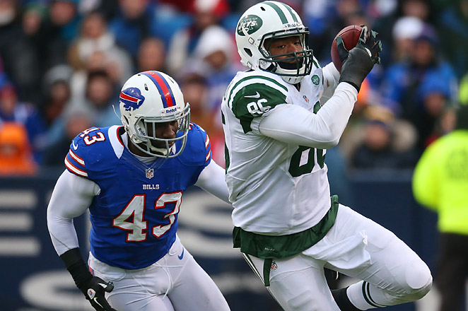 Cumberland had 29 catches for 359 yards and three touchdowns with the New York Jets last year.
