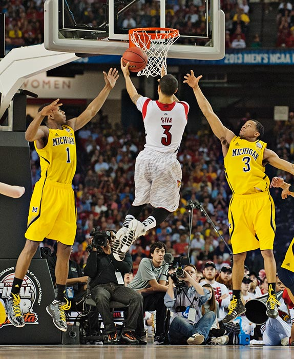 After scoring only four points in the first half, Peyton Siva went off for 14 in the second.