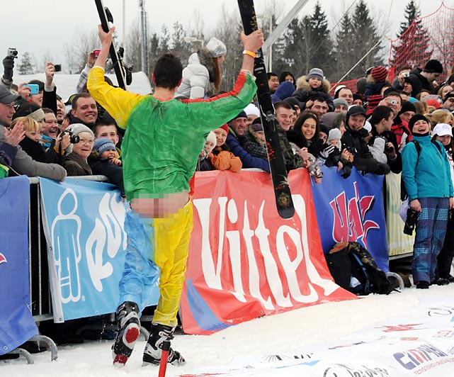 A skier is the butt of jokes during the comic competition.