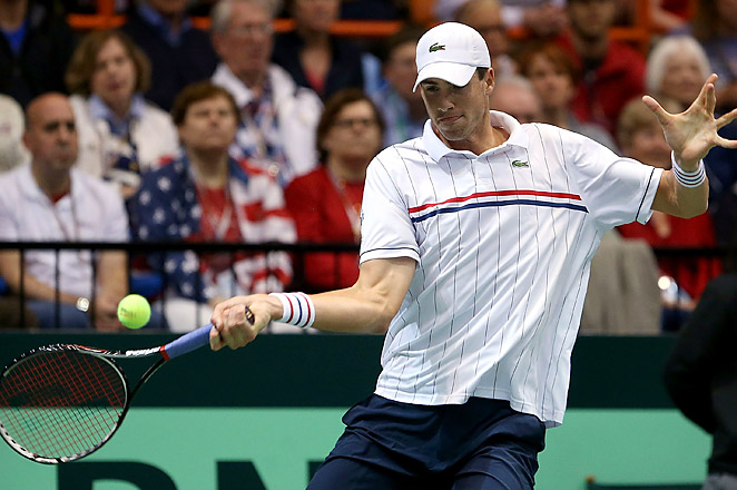 Fifth-seeded John Isner will now face third-seeded defending champion Juan Monaco of Argentina.