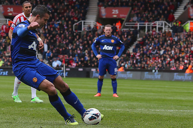 Robin van Persie broke his dry spell of ten goalless games by converting a penalty in the 66th minute.