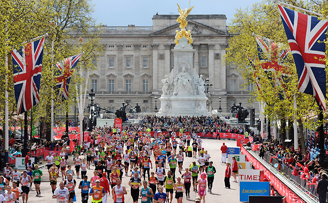 In the wake of the explosions at the Boston Marathon, police are reviewing security plans for the upcoming London Marathon.