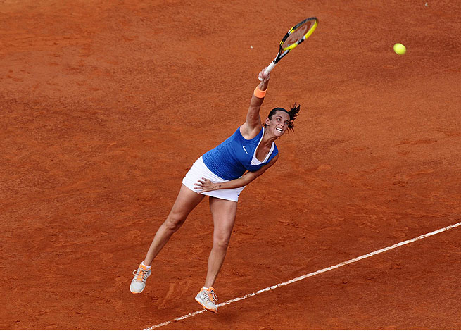 Italy's Roberta Vinci notched a 6-4, 6-1 upset victory over eighth-ranked Russian Petra Kvitova.